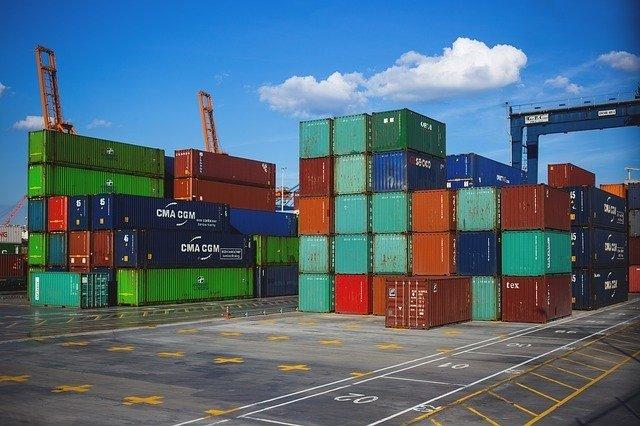 Commercio estero: scende l'import – Nei primi otto mesi dell'anno in crescita le esportazioni